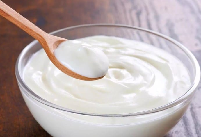 Full Fat Yougurt - 8 Low Calorie Foods for weight loss to help you slim down