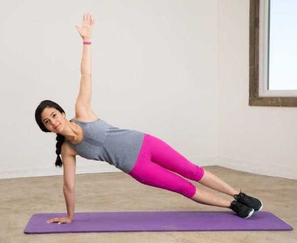 side planks- 8 Best Exercises to Get Rid of Love Handles