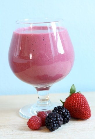 Power Berry Smoothie- 8 Healthy Low Calorie Snack For Instant Weight Loss
