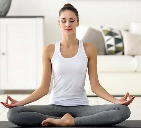 Top 6 Everyday Yoga Poses For Beginners With Healthy Living Benefits