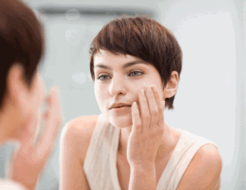 Use Moisturizers To Improve Skin Texture - How To Get Clear Skin Fast