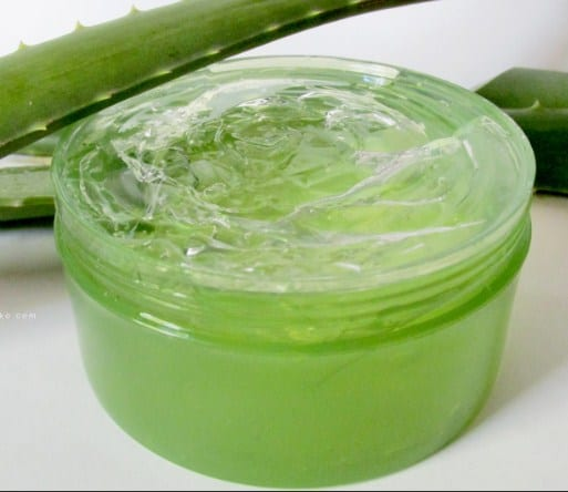 Aloe vera gel-Home remedies for stretch marks