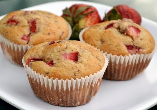 Keto Strawberry Vanilla Muffin - Low-calorie Sweets