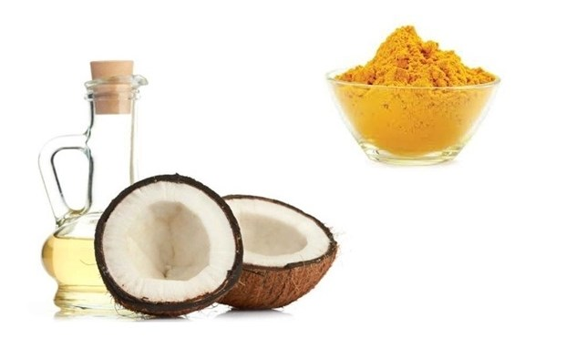 Turmeric, Coconut Oil and Honey for the face