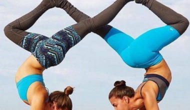 6 Easy two person yoga poses and Benefits For Partners, Friends, and Lovers