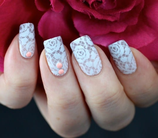 Lace Nails - Useful Nail Polish Hack