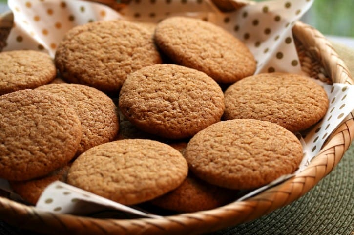 Gingersnap-Cookies-13-Easy-Keto-Desserts-Recipes
