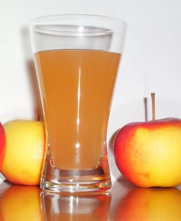 Apple Juice- DIY Colon Cleanse and Recipes To Lose Weight And Stay Healthy