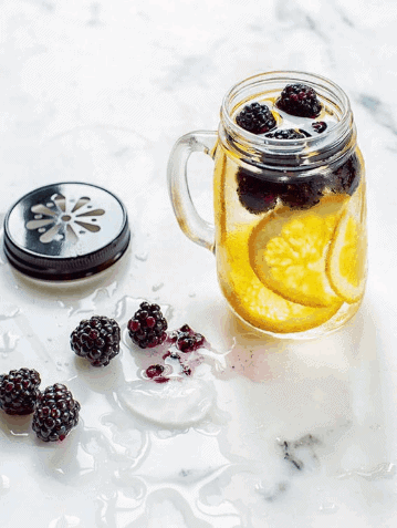 Blackberries and Oranges Detox Water- Water Detox Recipes for Fast Weight Loss