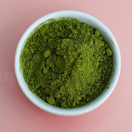 Green Tea Extract- How To Get Rid of Acne on Forehead Overnight