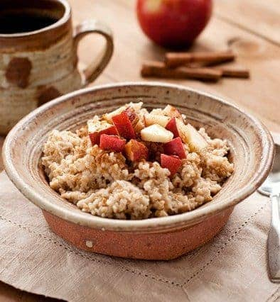Overnight Slow Cooker Cinnamon Apple Oatmeal to get rid of body fat
