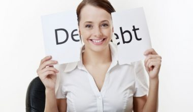 12 Habits Of People Who Are Never Broke & Live Debt Free