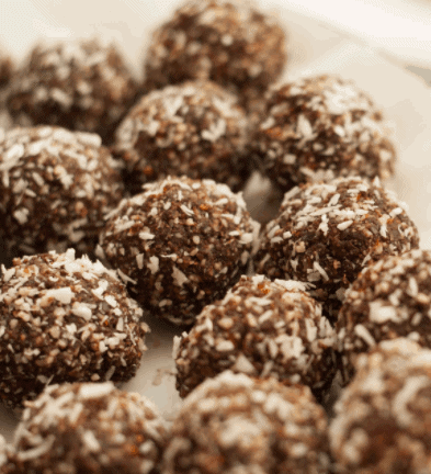 Coconut Almond Date Balls- 8 Delicious Low Carb Dessert Recipes That You Need To Try #LowCarbDinnerRecipes