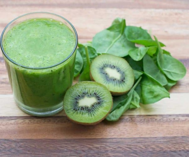 Kiwi. Spinach and Lettuce Juice- Healthy Recipes For Quick Weight Loss