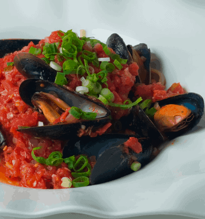 Tomato Basil Mussel- Top 10 Budget Friendly Paleo Meals