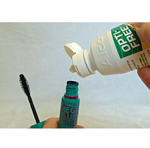 Use Eye Contact Solution To Hydrate Your Mascara