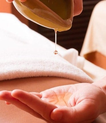 Massage Your Body With Coconut Oil - How To Use Coconut Oil For Weight Loss
