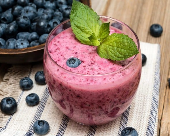 Peach and blueberries drink - Detox Drinks For Weight loss & Flat Belly