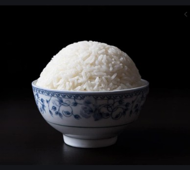White rice- Edibles that you should avoid while dieting