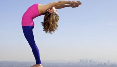 Yoga for Weight Loss - 6 Beginner Yoga Poses For Fat Burning